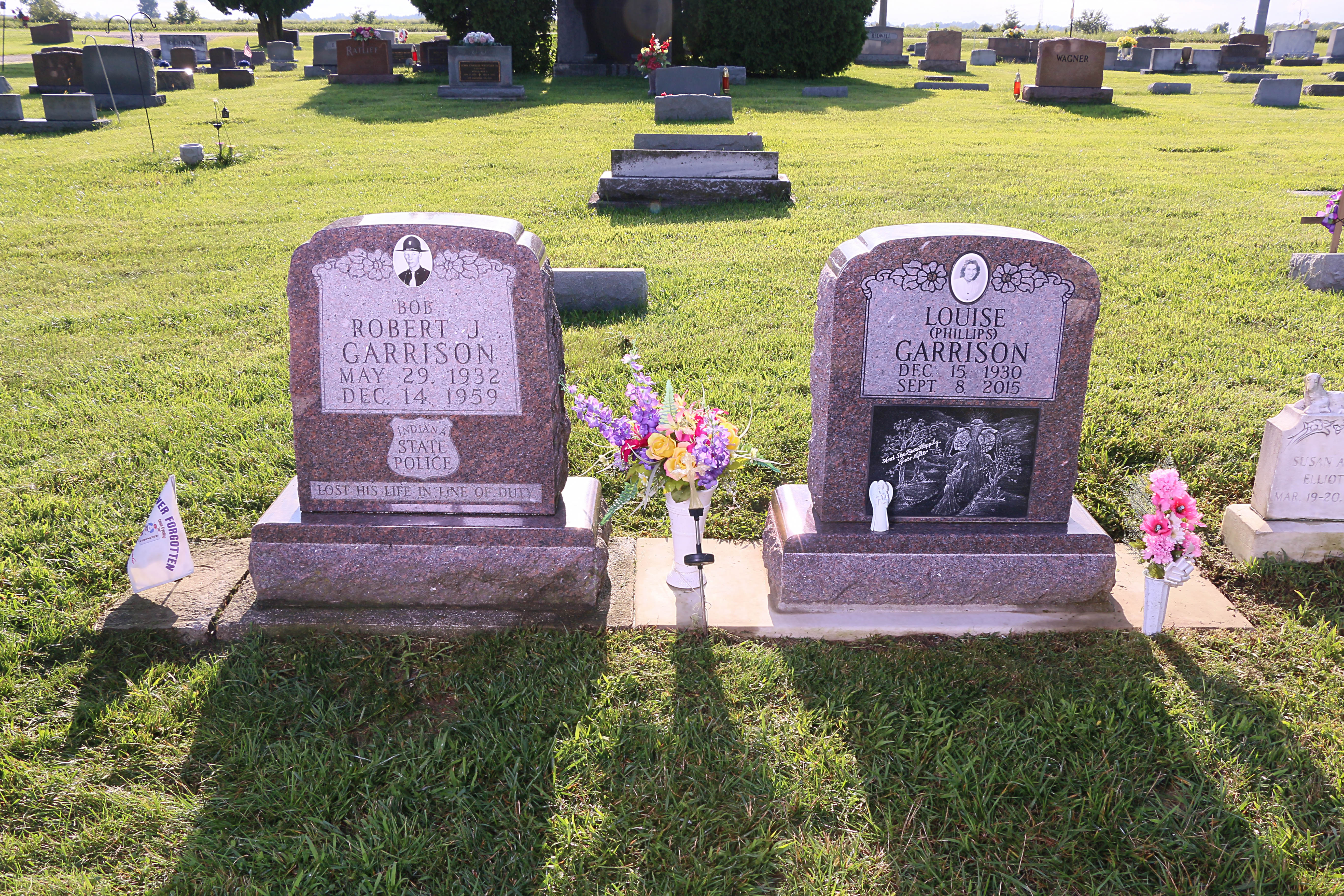 Robert and Louise Headstones